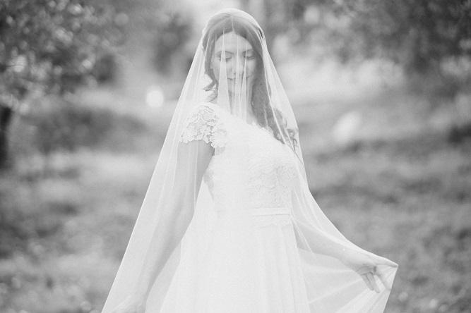 Abito da sposa estivo per matrimonio in toscana   Marianna Lanzilli