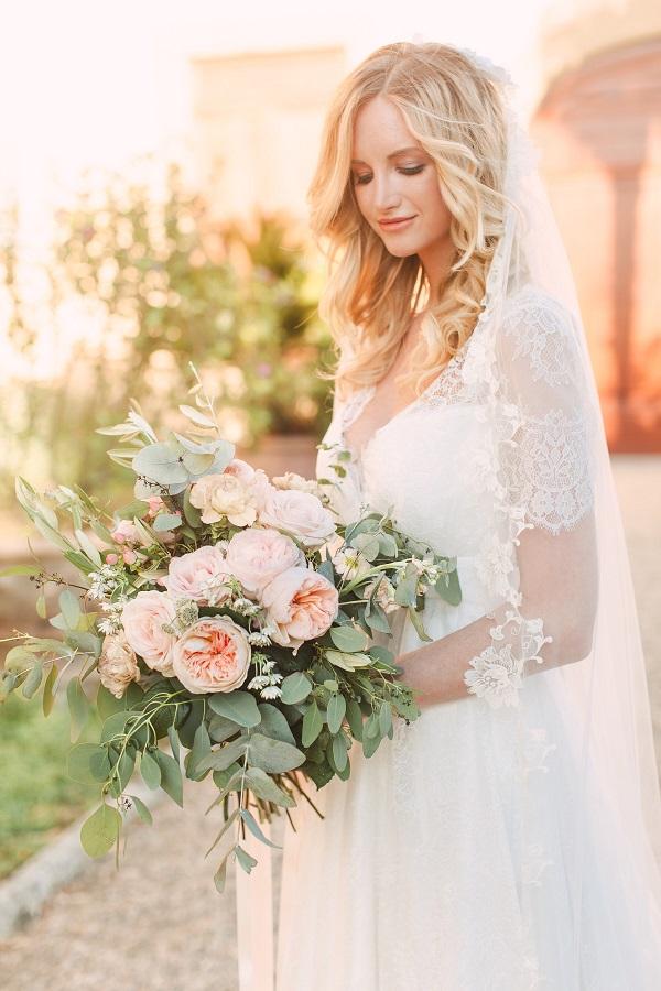 2dfd67f7c22c Veli sposa e accessori per capelli